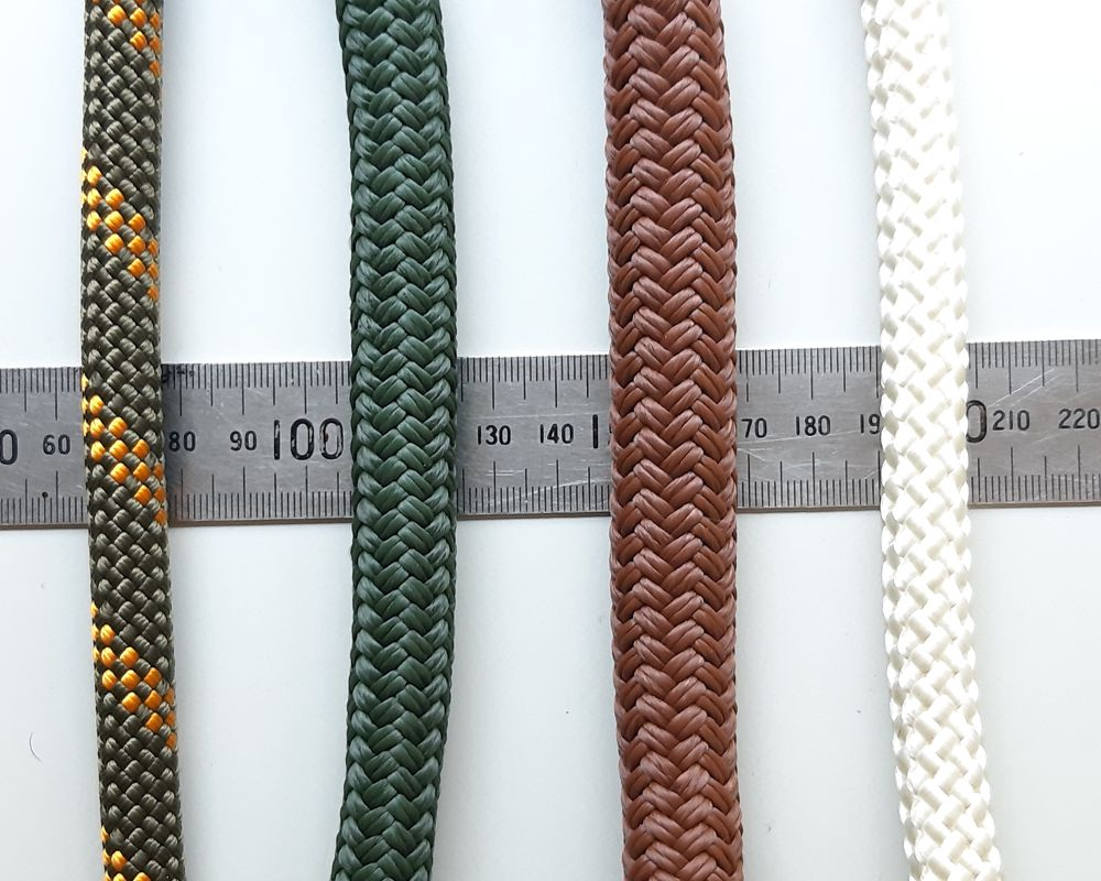 Rope leash with leather trim