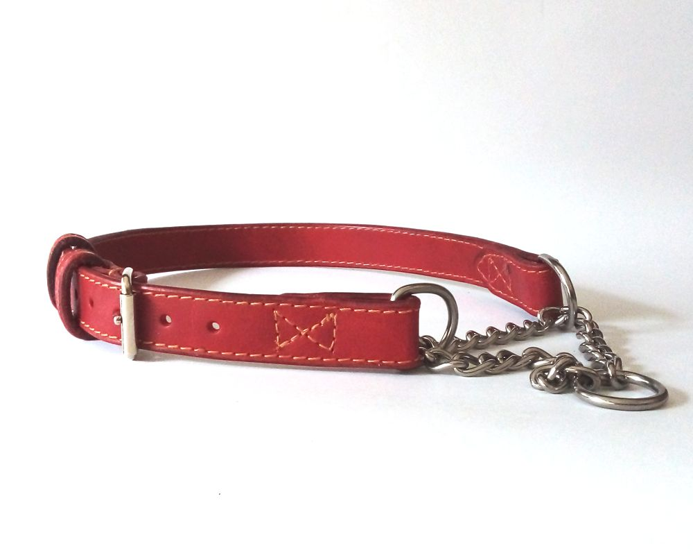 Martingale leather collar